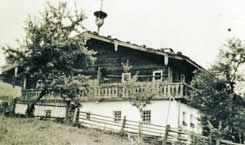 The more than 800-year-old farmhouse Erbhof Wildau is a real treasure chest. Picture of the Erbhof Wildau in earlier times.